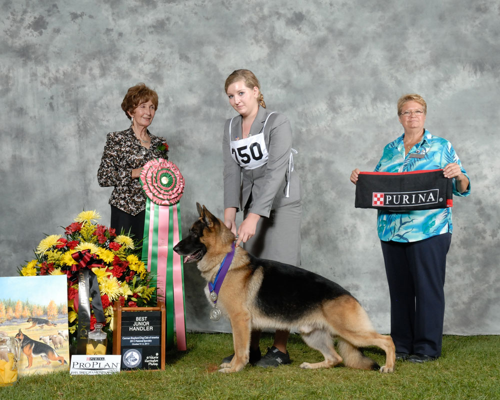 2013-best-junior-handler-jaclyn-smith